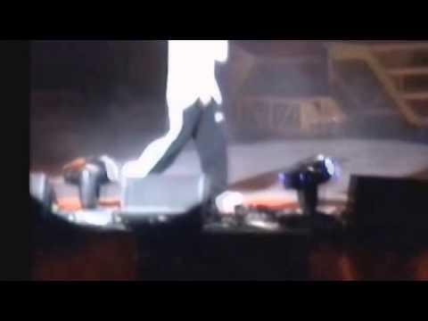 Eminem - 8 MILE ROAD LIVE *RARE*