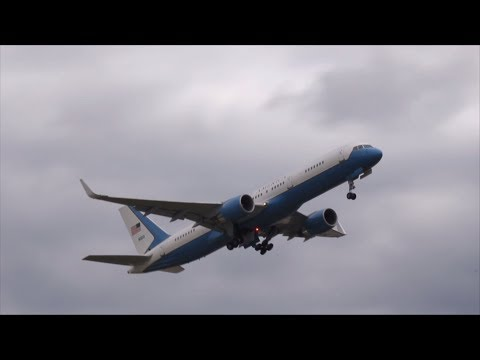 Air Force Two Boeing 757 Takeoff Oakland Airport | 98-0001 | HD Video
