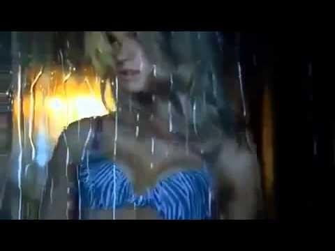 جنسي الملابس الداخلية من أسرار فيكتوريا thumbnail