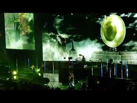 """Chase"" & ""Good Luck My Way"" - L'arc~en~ciel (Madison Square Garden, NYC, 3/25/12)"
