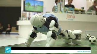 روبوت يرقص على الموسيقى العربية وآخر يحضر لك القهوة في معرض برلين!