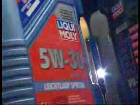 liqui moly motor clean for a professional oil change youtube. Black Bedroom Furniture Sets. Home Design Ideas