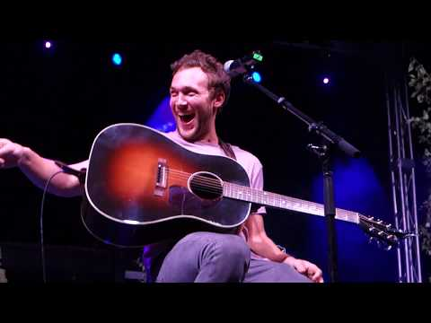 """Fly""-Phillip Phillips Acoustic Concert"