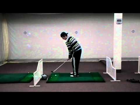 DSCF3329.MOV Fred un joueur de calibre a 15 ans  Cours de golf , swing naturel