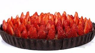 """Тарт """"Клубничный лес"""". Песочный пирог с шоколадным кремом и свежей клубникой."""