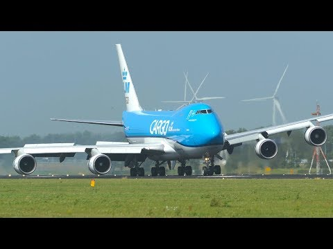 BOEING 747 ENGINE almost HIT THE GROUND after CROSSWIND LANDING (4K)