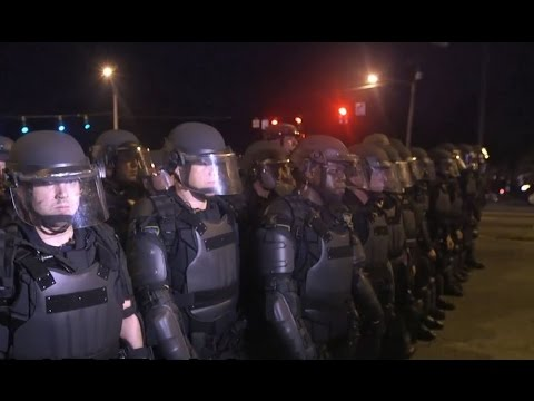 Rifle wielding Baton Rouge police shutdown anti-brutality protest