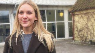 Rebecca studerar systemvetenskap   Ekonomihögskolan vid Lunds universitet thumbnail
