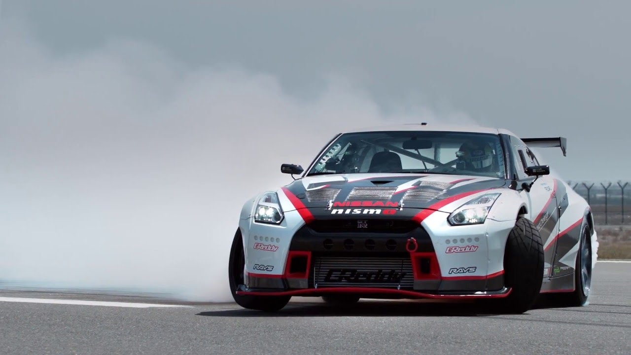 2018 Nissan Gt R >> AutoMoto | Nissan GT-R Nismo drifting with 304,96 Km/h! - YouTube