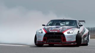 AutoMoto | Nissan GT-R Nismo drifting with 304,96 Km/h!