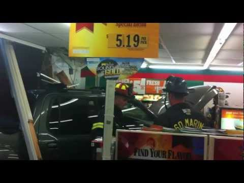7-Eleven Sausalito Car/Truck Crashes into front window - Big Gulp indeed!!!