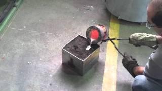 Aluminio liquido entrando em Colapso!