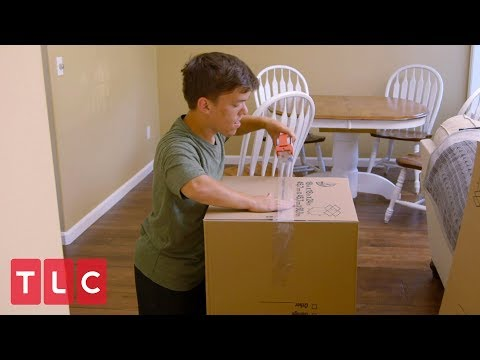 Moving Day for Zach and Tori | Little People, Big World