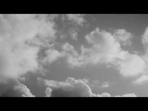 Clouds  -  background HTML