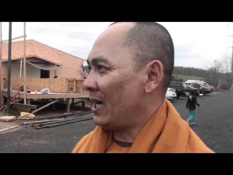 MC VIET THAO- PHẬT NGỌC- MINH ĐĂNG QUANG TEMPLE- PENNSYLVANIA.