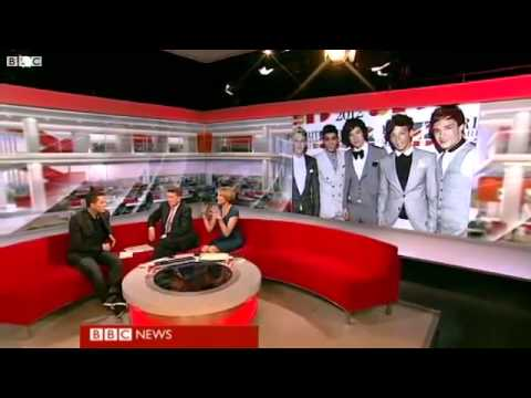 One Direction tops US album chart.