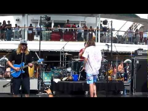 The Dirty Heads  Insomnia  from the 311 Cruise 51312 HD