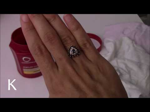 USING THE Connoisseurs Jewelry Cleaner and Polishing Cloth on VINTAGE JEWELRY