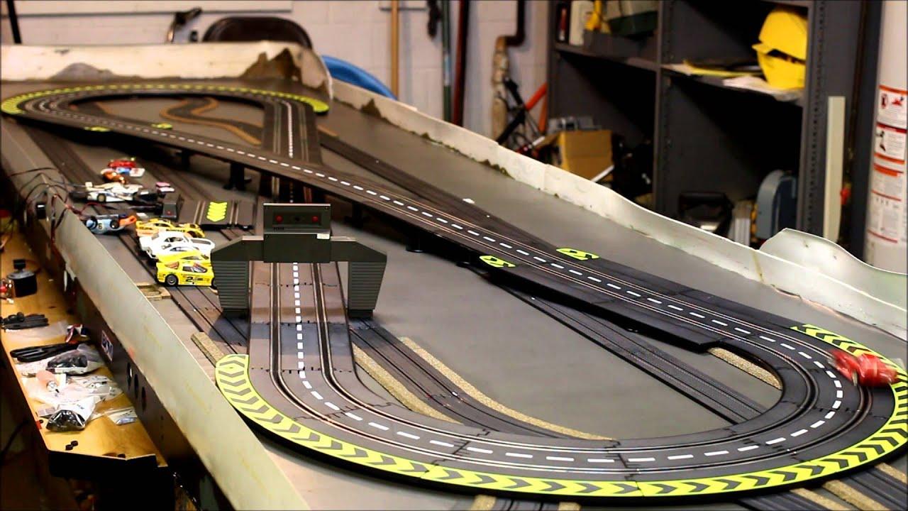 Slot cars and tracks