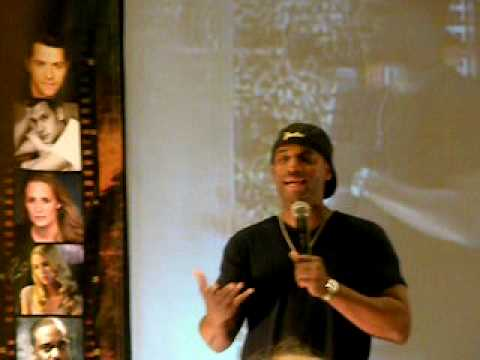 Charles Malik Whitfield in LA 09: Wearing black contacts