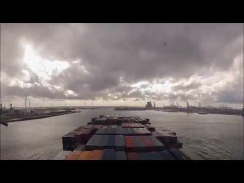 Time Lapse Port of Rotterdam mv MOL Charisma