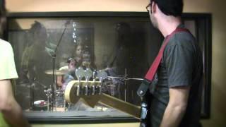monroy y surmenage grabando bajos y baterias en suite 21 studios guadalajara