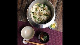 あさりやはまぐりなどの貝と野菜を入れて炊き込んだ深川飯。 東京・深川...