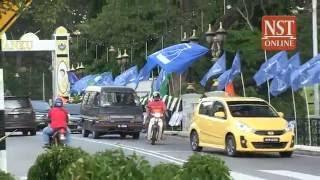 Flag, poster war heats up in Kuala Kangsar