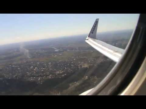 Ryanair 737 taxi & takeoff from Vilnius airport