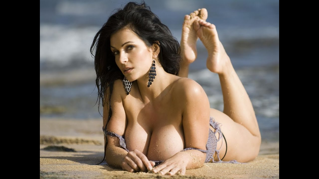 Big boob brunette suck