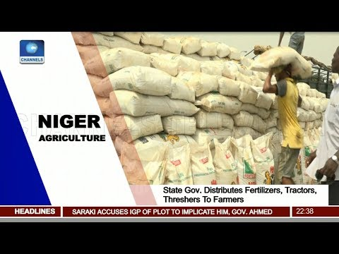 Niger State Gov. Distributes Fertilizers, Tractors, Threshers To Farmers