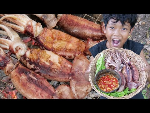Survival Skills - Yummy cooking squid and eating delicious