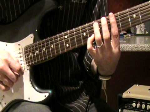 """How to play """"Domino"""" - Jessie J. on guitar"""