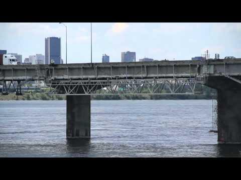 pont champlain bridge montreal canada doovi. Black Bedroom Furniture Sets. Home Design Ideas