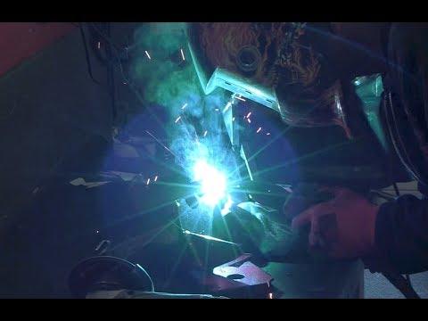 Delboy's Garage, Fighter Build #127, Rear Strut Supports welded!