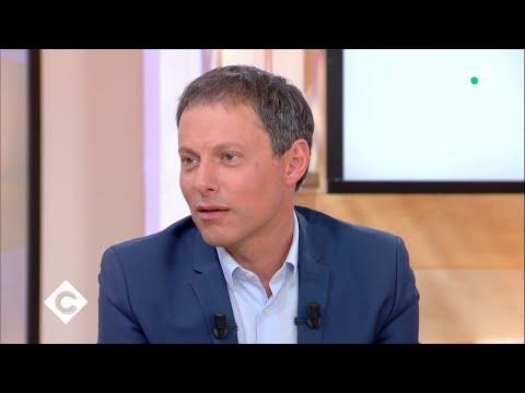 Marc-Olivier Fogiel : un divan exceptionnel avec Laurent Gerra - C à Vous - 25/05/2018
