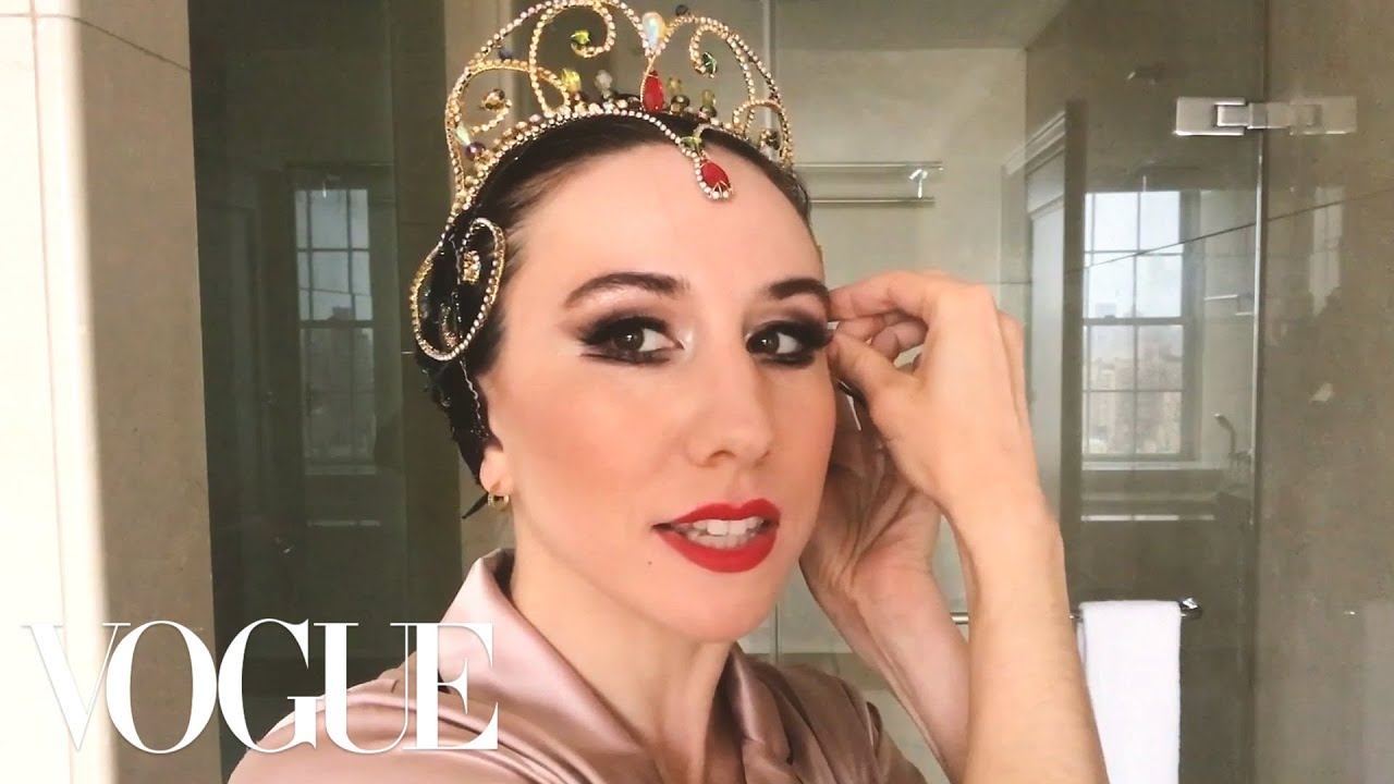 Ballerina Isabella Boylston's Black Swan Makeup Transformation | Beauty Secrets | Vogue