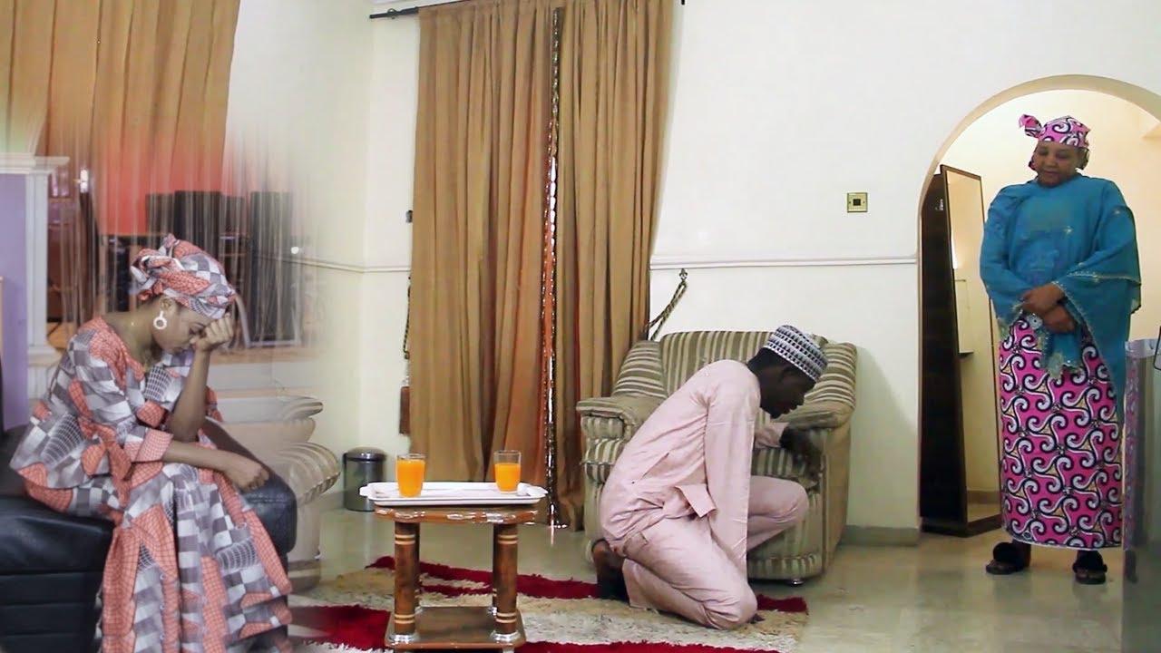Download mahaifiyata ba ta son in auri wanda nake so saboda ba shi da kudi - Hausa Movies 2021