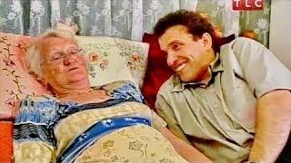 Она ему в матери годится - Странная любовь