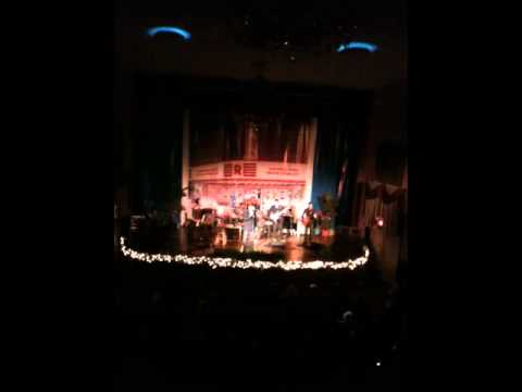 Ronnie McDowell sings