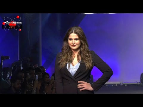 Zarine Khan As Showstopper For Plus Size India Intimate Parfait Fashion Show SS19