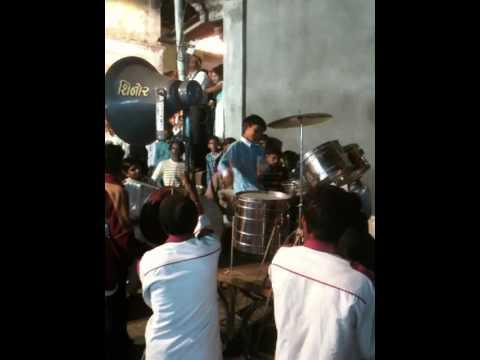 Bashir Band, Shinor
