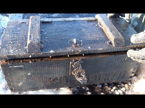 Смотреть Ящики с оружием и боеприпасами прямо подо льдом! Находки на металлоискатель и поисковый магнит! онлайн
