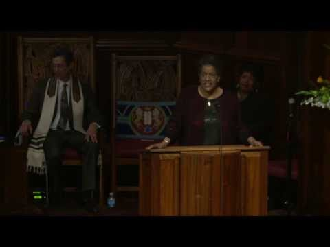 Myrlie Evers-Williams speaks at Congregation Beth Israel