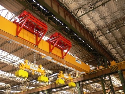 GIGA cranes for steel warehouse