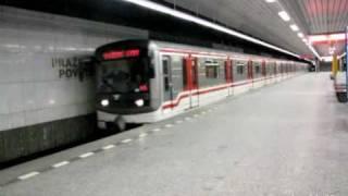 Pražské metro - přetah soupravy 81-71M 3900-3500