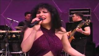 Selena - Cumbia Medley (Como La Flor, La Carcacha, Bidi Bidi Bom Bom & Baila Esta Cumbia)