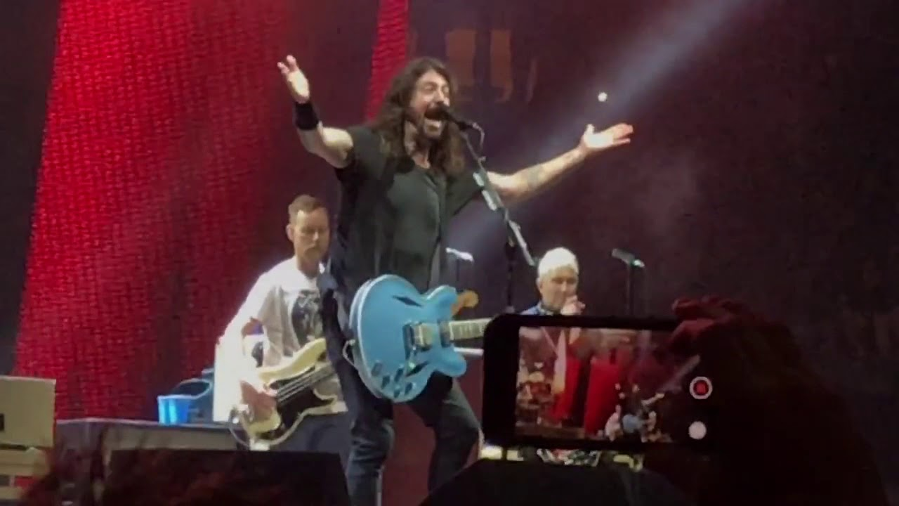 Foo fighters jump van halen cover madison square - Foo fighters madison square garden ...