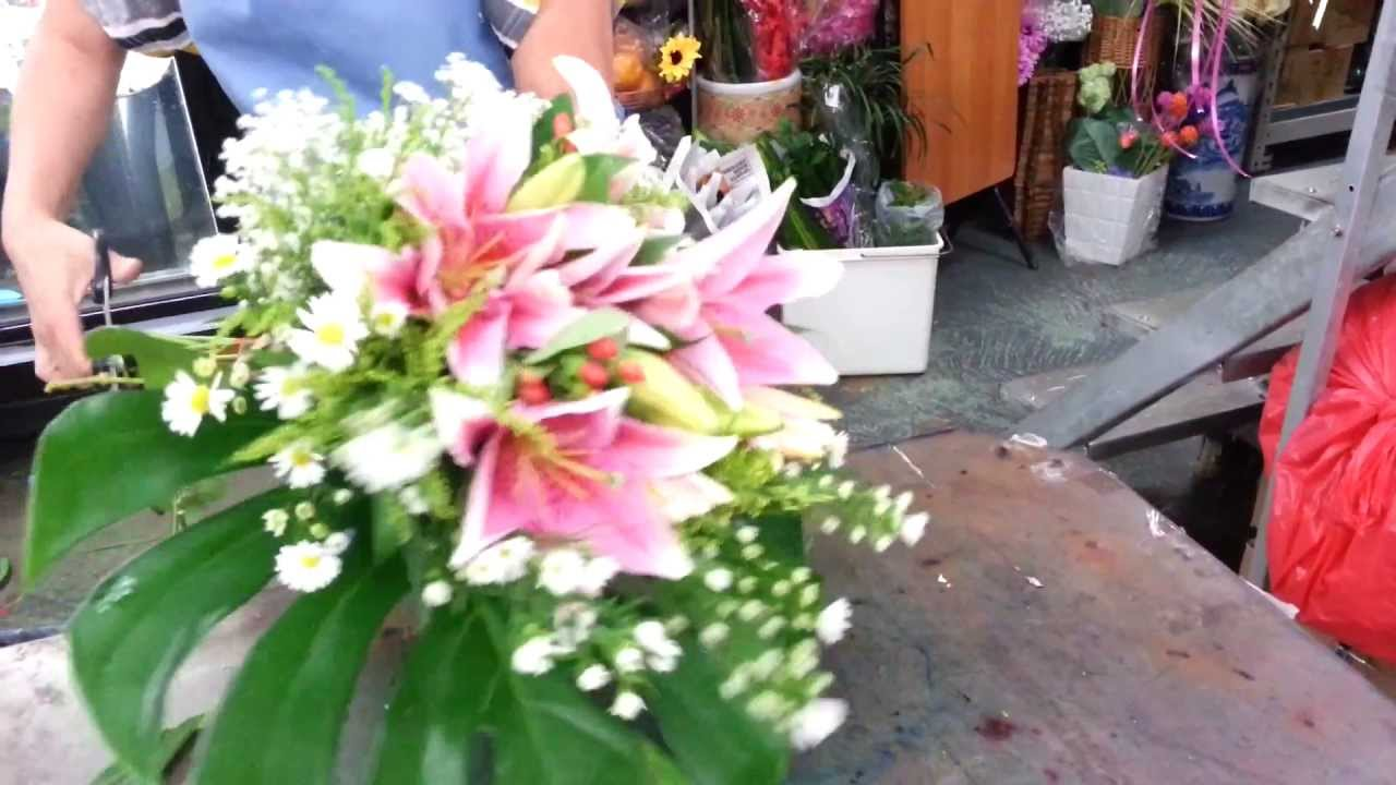 Florist Singapore | How to make Lily Hand Bouquet | Best Singapore ...