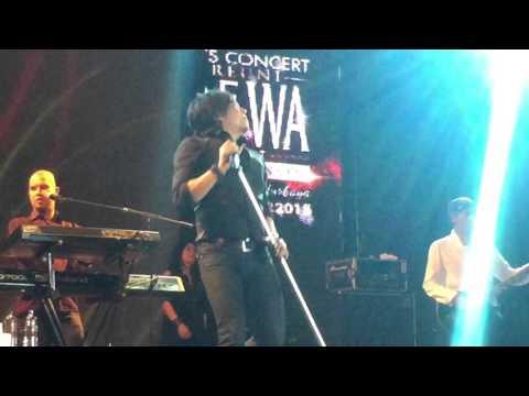 Dewa 19 feat. Ari Lasso - Arjuna Mencari Cinta (LIVE @Trans Studio Makassar 25-Okt-2015)